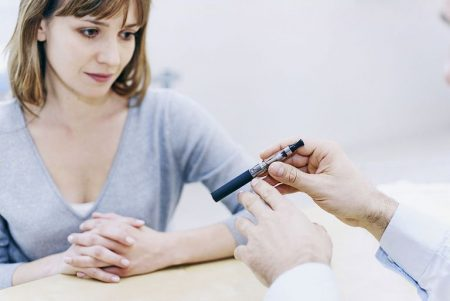 A woman consult a doctor